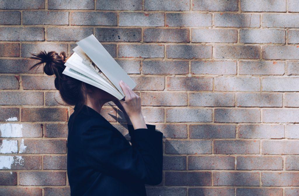 本を嫌になった人の写真